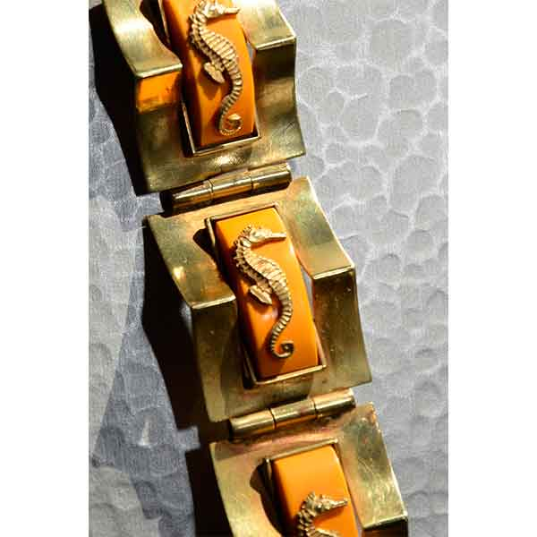 Divine-Style-french-antiques-French-Art-Deco-brassbakelite-seahorse-by-Jean-Painlevé,-c1930-03