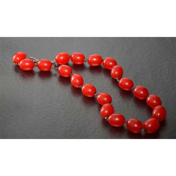 Divine-style-french-antiques-red-bakelite-beads-on-silver-chain02