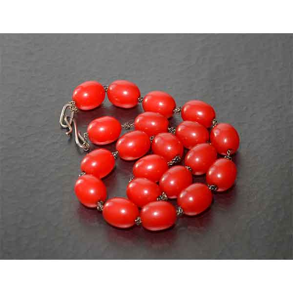 Divine-style-french-antiques-red-bakelite-beads-on-silver-chain04