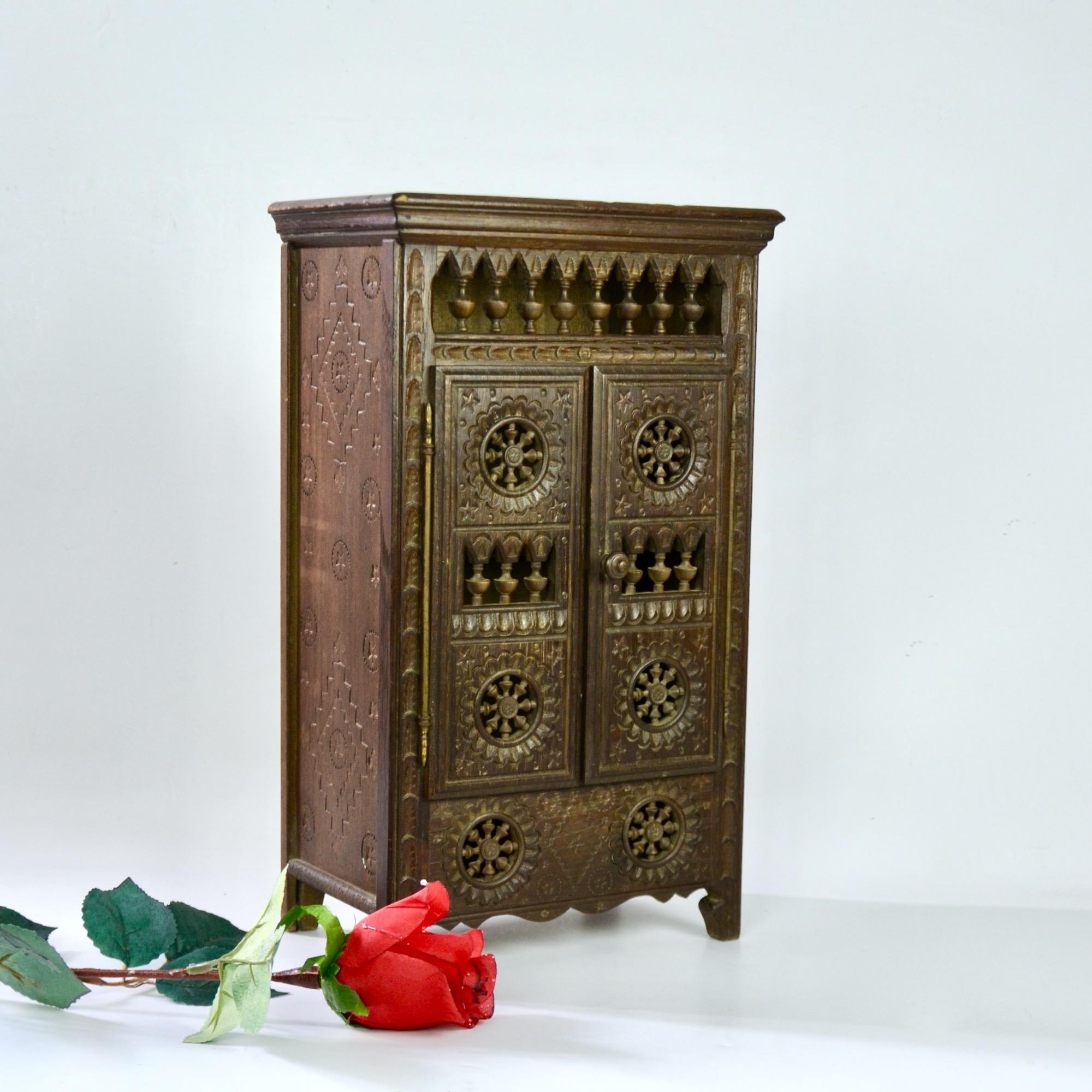 Deco De Table Bretonne miniature breton wardrobe doll's armoire
