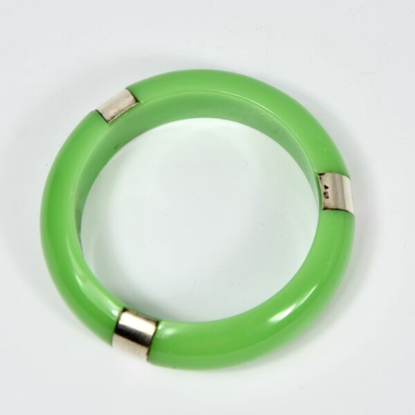 Apple green bakelite and silver bangle divine style french antiques 2