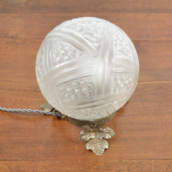 Verlys Les Hanots Art Deco Globe Lamp divine style french antiques 2