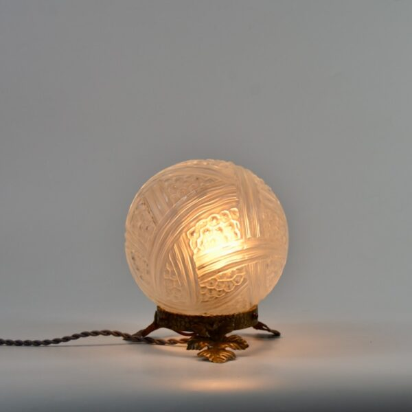 Verlys Les Hanots Art Deco Globe Lamp divine style french antiques