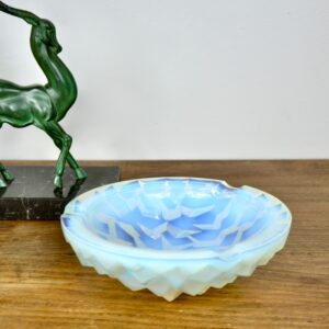 Pierre d'Avesn opalescent ashtray bowl art deco divine style french antiques 3