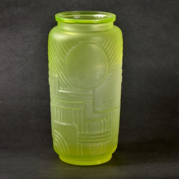Legras Versailles Art Deco vase uranium glass divine style